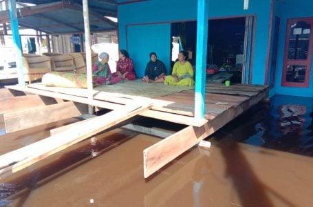 Banjir Singkil Sudah 3 Hari, Mobil Dapur Umum Dikirim ke Korban