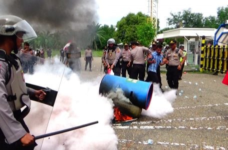 Demo Rusuh di PT Arun Gas