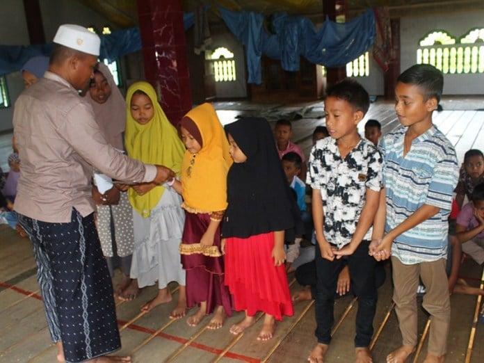 Geuchik Meunasah Alue Gunakan dana Desa Untuk Beasiswa 95 Anak Prestasi