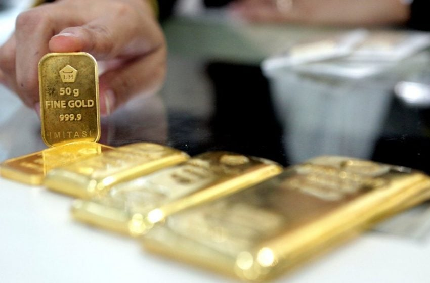 Harga Emas Dunia Turun Tipis