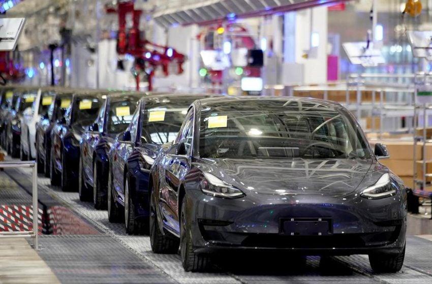 Elon Musk Buka Lowongan Kerja di Tesla, Lulusan SMA Bisa Gabung
