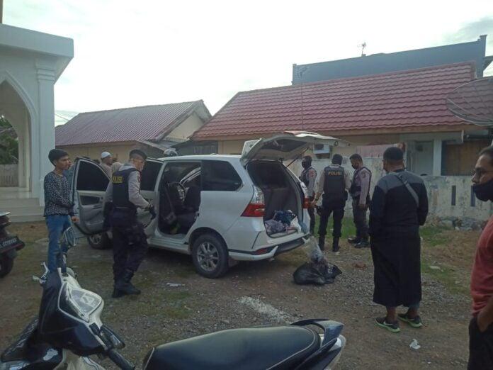 Di Aceh, Warga Gerebek 6 Pria dan 2 Wanita Dalam Satu Mobil