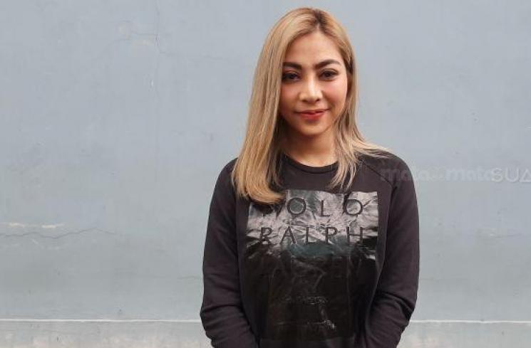 Penyanyi Cantik Ini Polisikan Netizen, Karena Sebut Dirinya Pekerja Seks