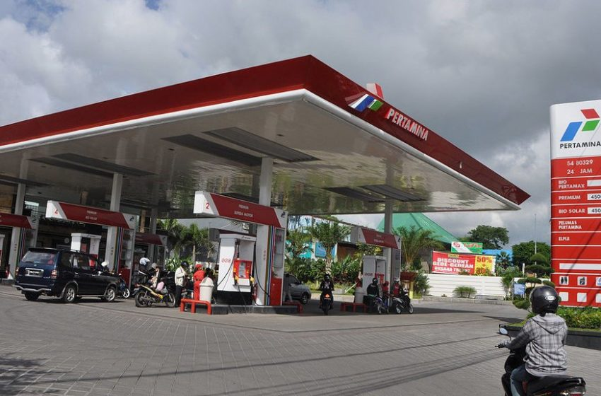 Ketika Harga Minyak Indonesia Tak Kunjung Turun