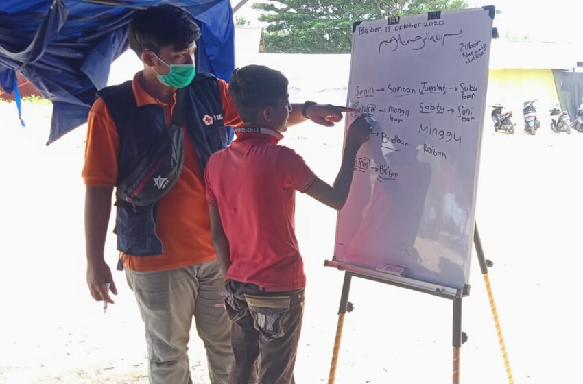 PMI Lhokseumawe Ajarkan Bahasa Indonesia Kepada Migrain Rohingya