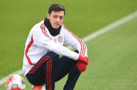 Mesut Ozil Gabung Ke Fenerbahce