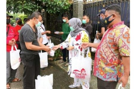 Presiden Direktur PT Imza Rizky Jaya Group, Bagikan 10 Ribu Paket Sembako