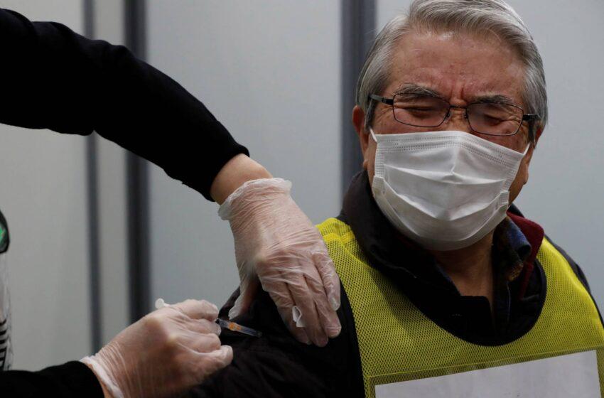 Pendukung Prabowo Banyak Yang Tidak Percaya Vaksin Covid-19