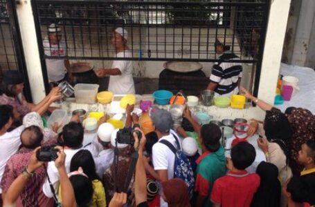 Kisah Masyarakat Melayu Berbuka Puasa